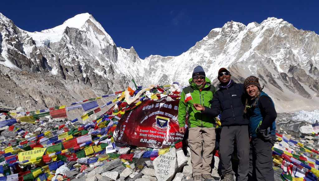 How to hire a guide in Nepal